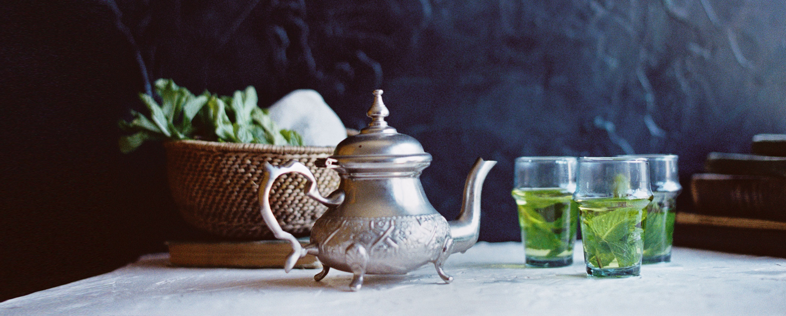 Moroccan-Tea-Glasses-with-Mint-Tea